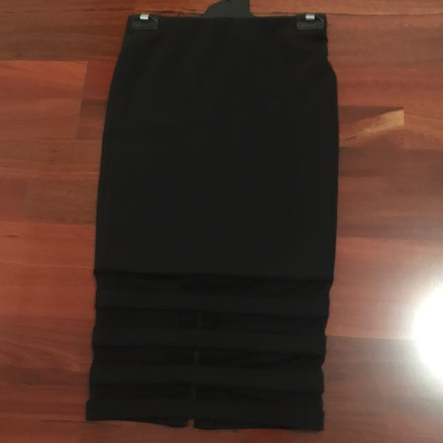 Witchery Midi Skirt In Scuba With Mesh Details