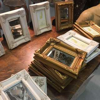 ASSORTMENT OF VINTAGE STYLE PICTURE FRAMES MIRRORS WHITE GOLD