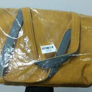 Crumpler Wren Handbag Small