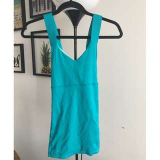 Lulu Lemon work out top, size 4