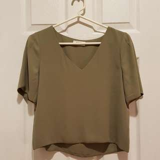 Aritzia Babaton Randy Blouse Size Small - This Season!!