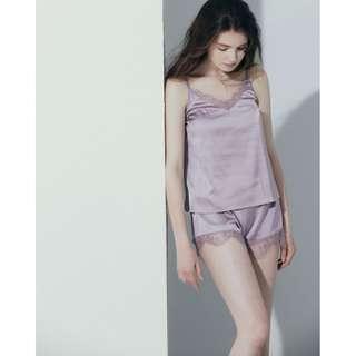 便宜出售 全新MEIRIQ 絲質蕾絲拼接鬆緊短褲 藕粉色