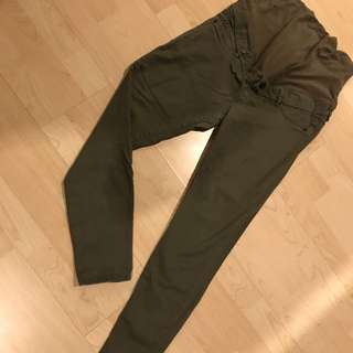 H&M ARMY GREEN MATERNITY JEANS