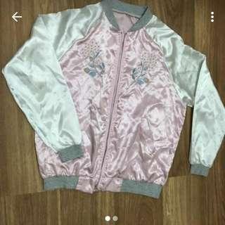 粉色刺繡外套