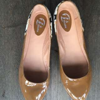 Brown Patent Leather Flats With Leopard Prints