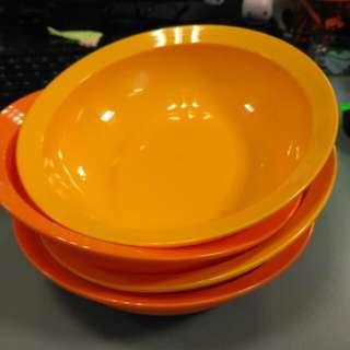 Tupperware Crescendo Bowl