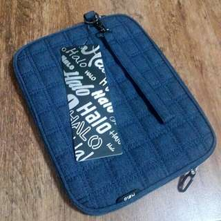 """Sale!!! Halo Carrying Case 10"""" Screen"""