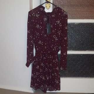 Decjuba Size 8 Floral Winter Dress BNWT