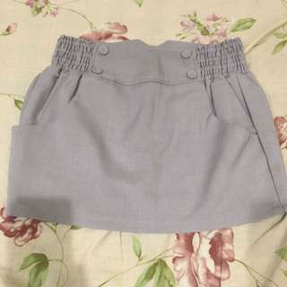 灰造型短褲