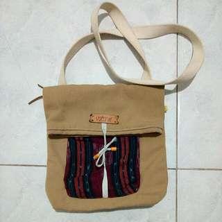 Ethnic Sling Bag by Vakansi