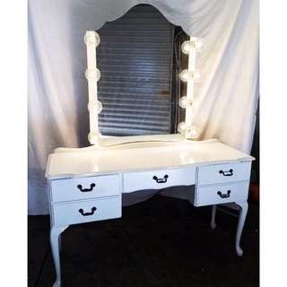 Makeup Table With Hollywood Mirror