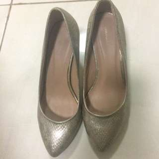 Urban&co gold shoes sz.38 Ori