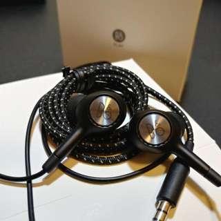 全新B&O Play In Ear Headphone