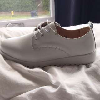 Brand New White Faux Leather Shoes: Size 7-7.5