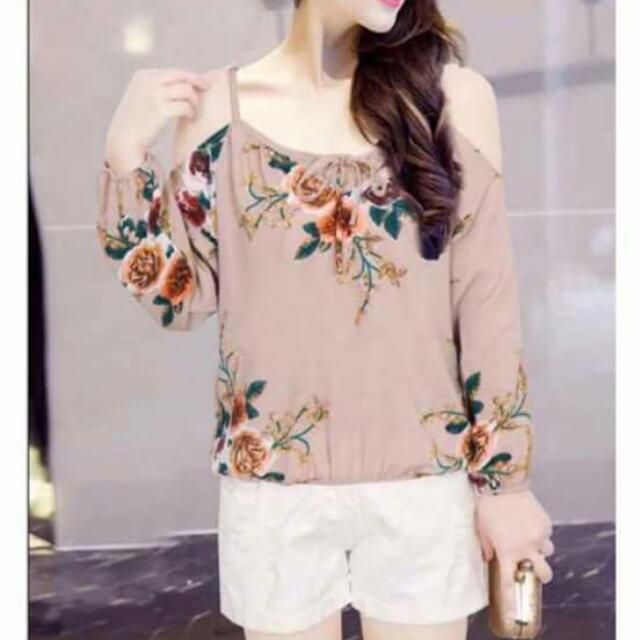 4-design Cold Shoulder Floral Top