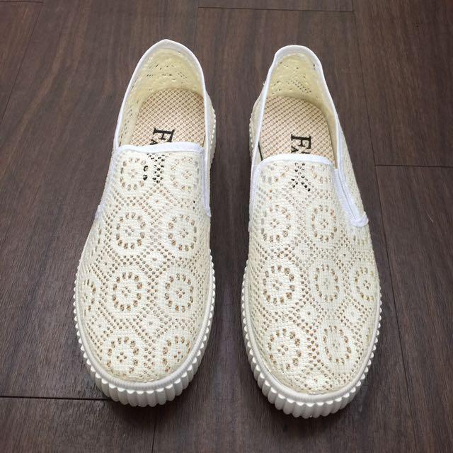 [全新]超透氣軟底休閒鞋