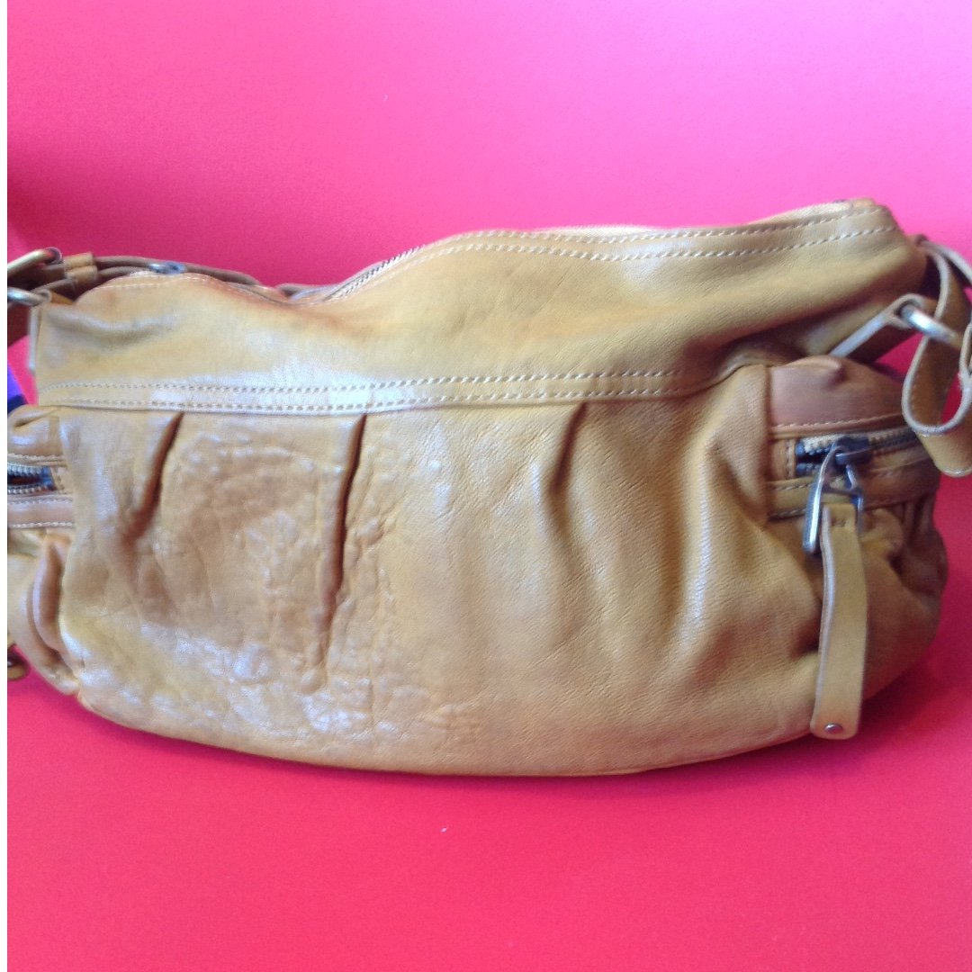 Banana Republic bag a35b057e22afc