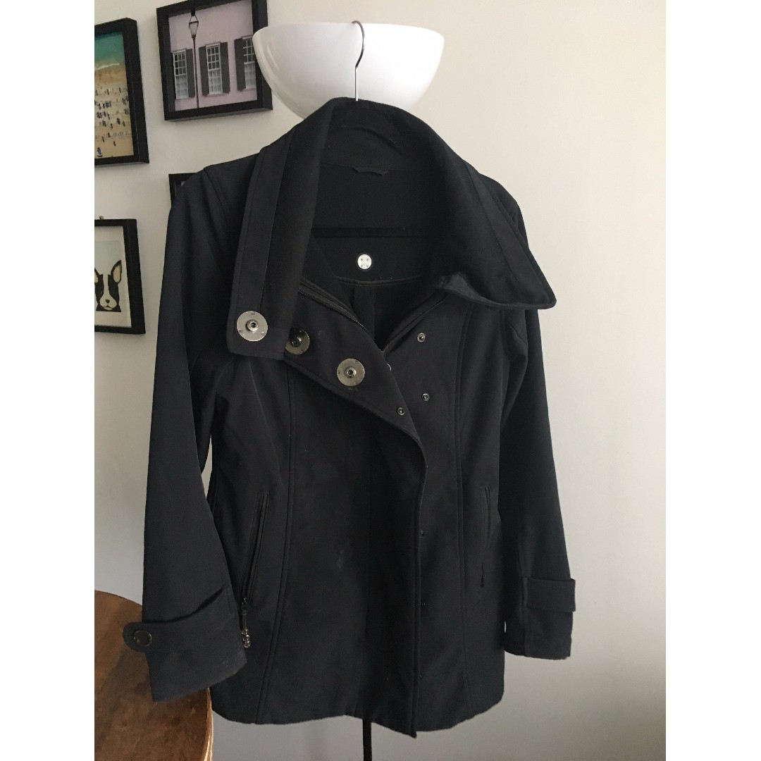 Black LuluLemon long water resistant jacket