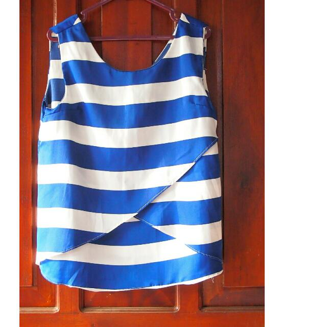 Blue stripes top