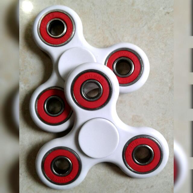 FIDGET SPINNER White Red