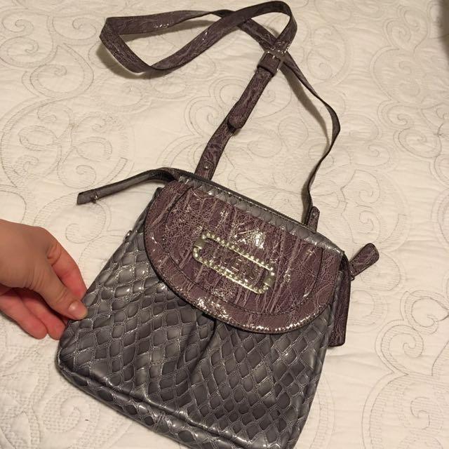 Guess Messenger Bag