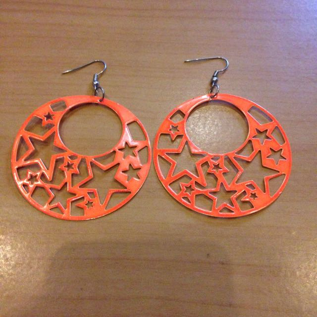 Large round star earrings
