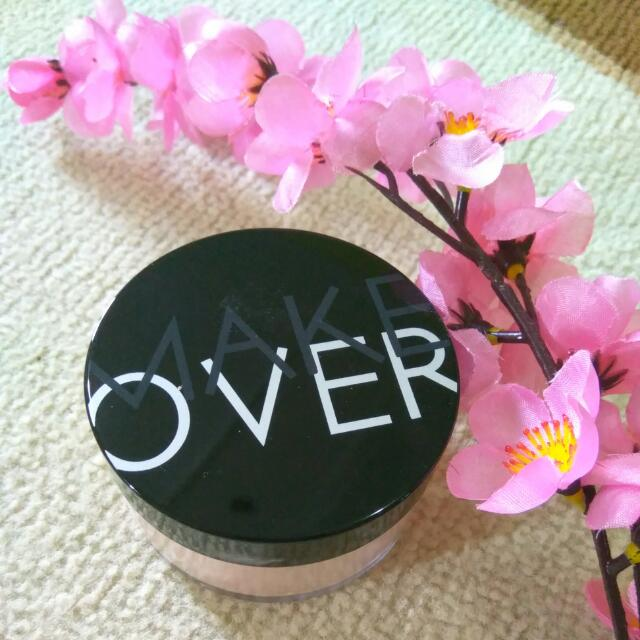 Make Over Silky Smooth Translucent Powder 01.Porcelain