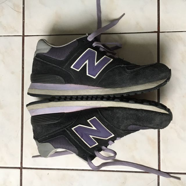 New Balance 574 Purple/Black (Size 9.5)