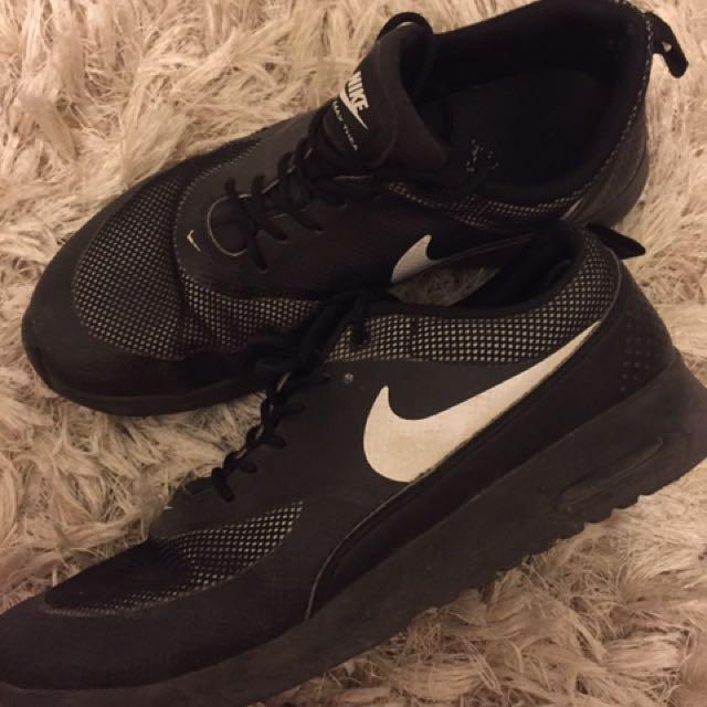 Nike Air Max Theas Size 10
