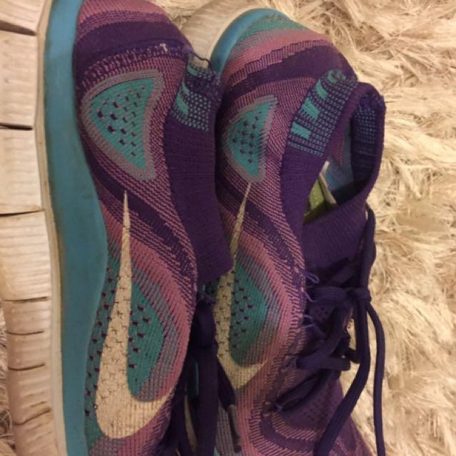 Nike Free Runs Sock Fit