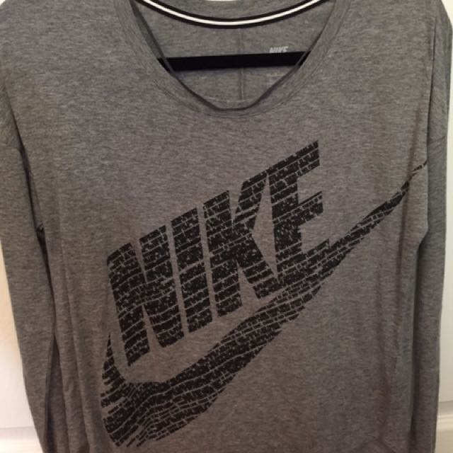 Nike Long Sleeve With Logo On Front