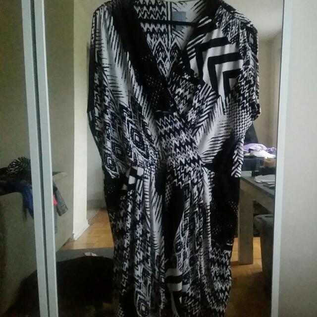 Plus Size B&W Faux Wrap Sleeves Dress-size 16