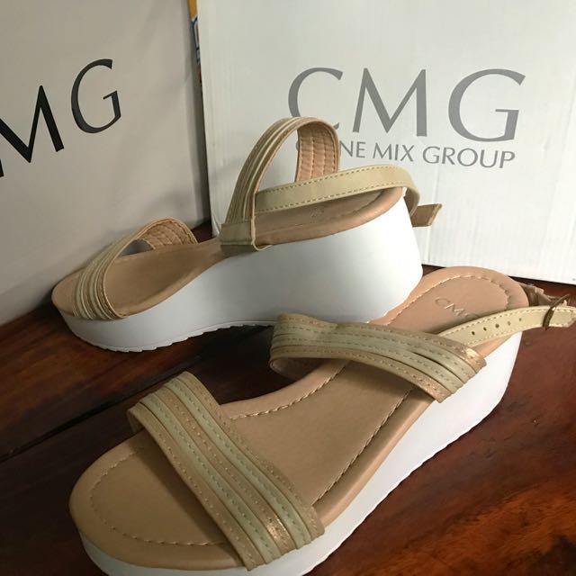 Pretty CMG wedge sandals