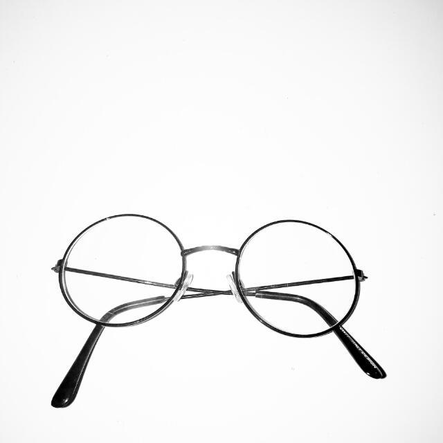Round Glasses (Bukan Kacamata Minus)