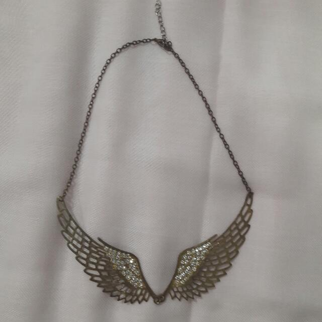 SALE Kalung Wings