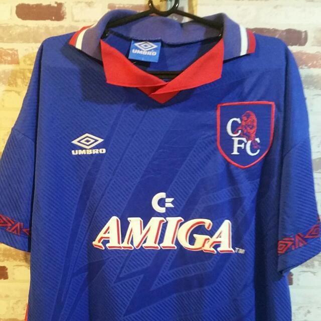 ac7bb4b0526 Short Sleeves Home Umbro Retro Chelsea Fc soccer jersey!, Sports, Sports &  Games Equipment on Carousell