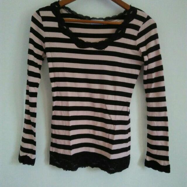 Stripe Top/Baju Garis-garis