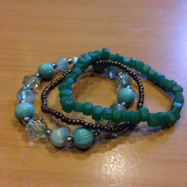 Turquoise and blue elastic bracelet set
