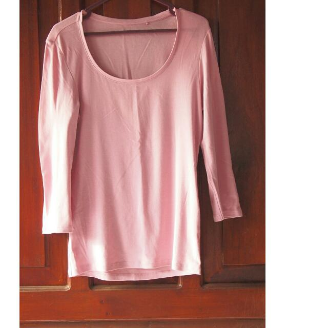 Uniqlo pink top