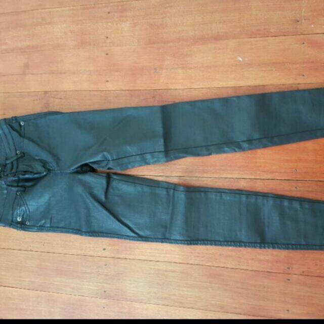 Bardot Wet look skinny jeans Size 8 Brand New!!