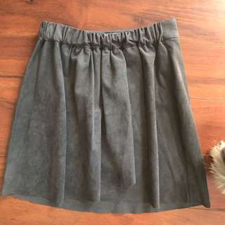 Aritzia Suede Charcoal Skirt Size Xs