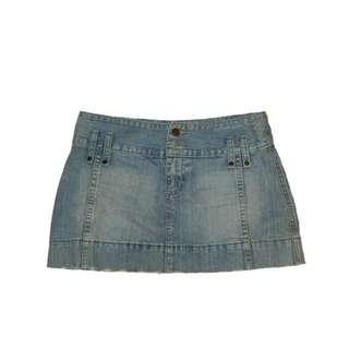 #百元全新女裝(新的沒穿過) 仿舊刷白破淺藍牛仔A短裙(低腰款) destroyed look washes short skirt