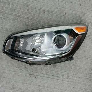 2016 Kia Soul Driver Side Headlamp