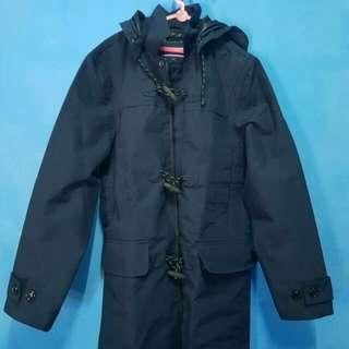 overcoat..tommy hilfiger..never been used..size M..ori..tutup kepala bisa d buka..bahan parasut..