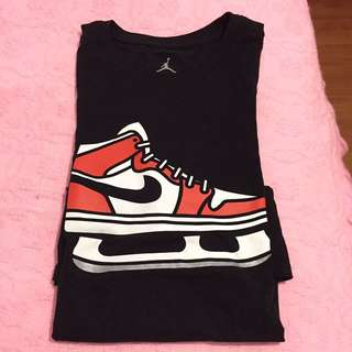 Air Jordan Shirt Size Medium