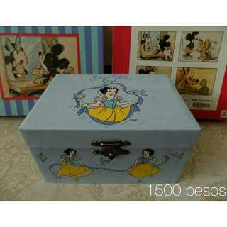 Vintage Disney Snow White Kreisler Music Box
