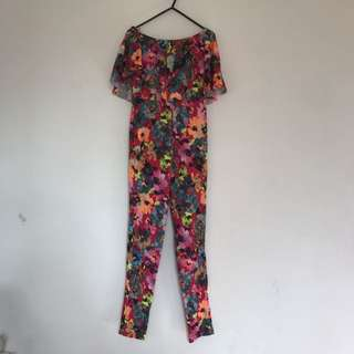 BOO HOO COLOURFUL FLORAL ONSIE IN SIZE 8