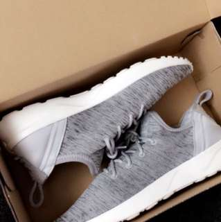 REDUCED Adidas Shoes US 8