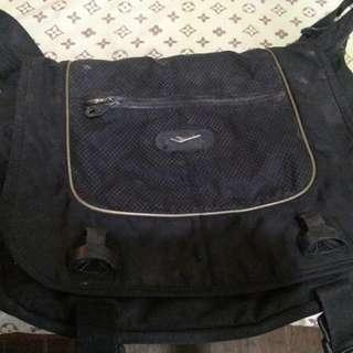 Re price Prospecs Sling Bag from Korea