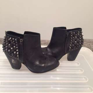 ALDO LEATHER BOOTS SIZE 6-6.5